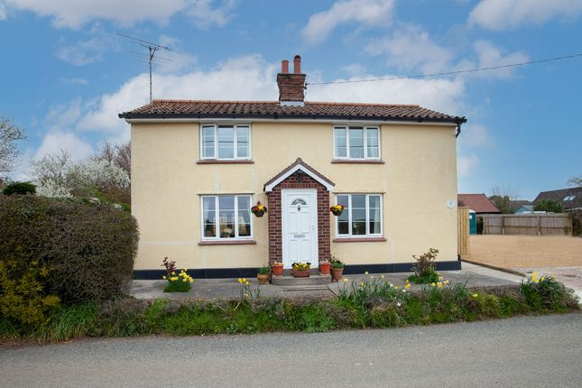 3 bed detached house for sale in Top Road, Hasketon IP13