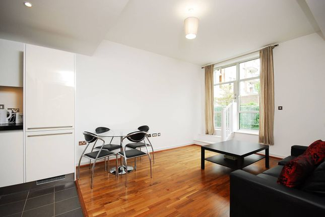Thumbnail Flat to rent in Great West Quarter, Brentford