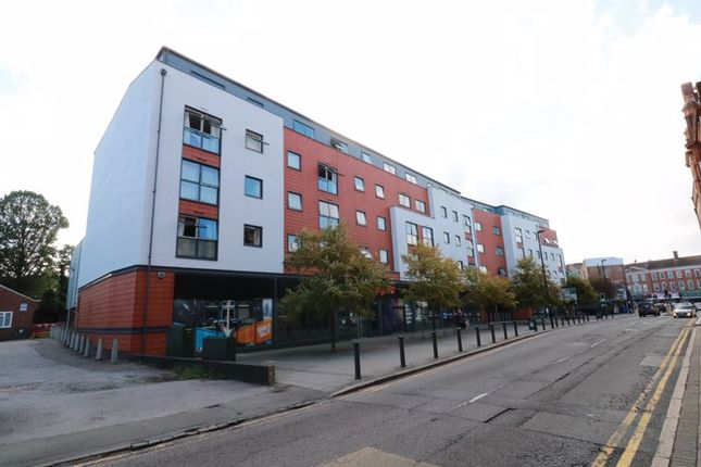 1 bed flat to rent in Church Street, Epsom KT17