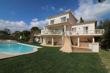 Thumbnail Villa for sale in Santa Catarina Da Fonte Do Bispo, Eastern Algarve, Portugal