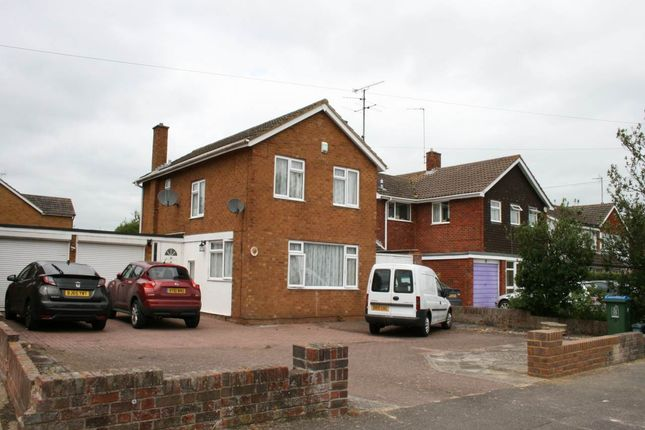 Thumbnail Detached house to rent in Camborne Avenue, Aylesbury, Buckinghamshire