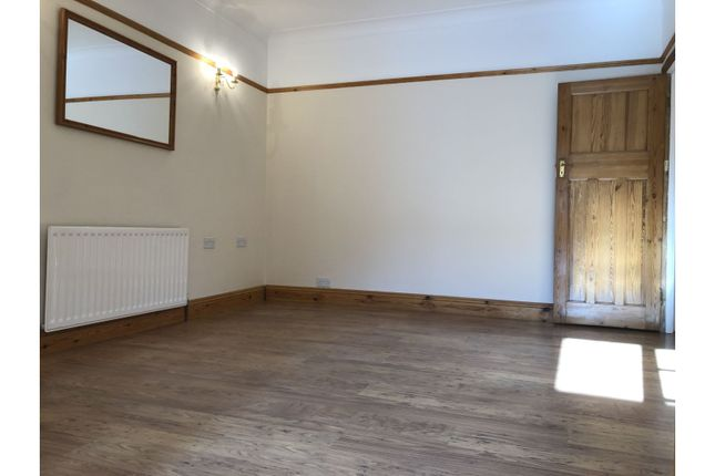 Thumbnail Semi-detached house to rent in Dallinger Road, London