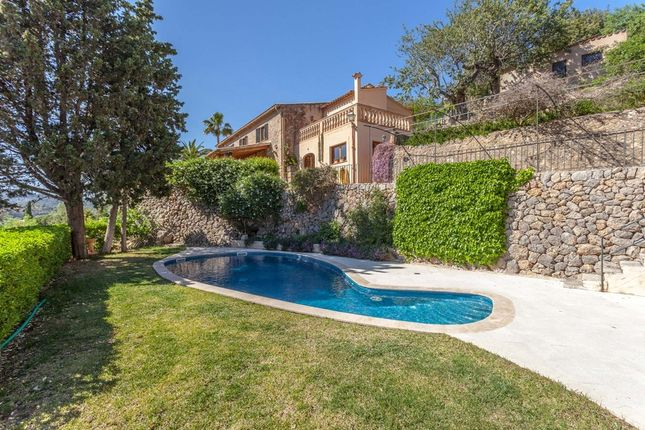 Villa for sale in Esporles, The Balearics, Spain