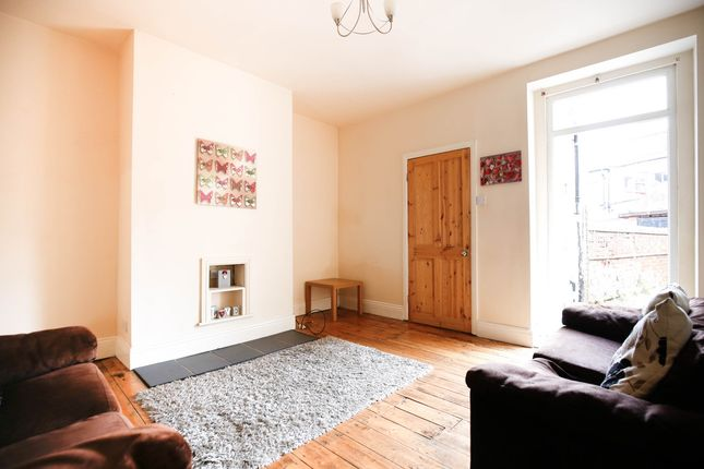 Flat to rent in William Street, Gosforth, Newcastle Upon Tyne