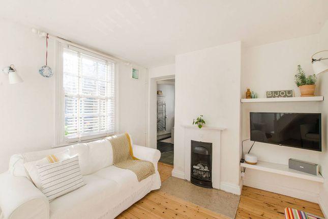 1 bed property to rent in Walnut Tree Road, Greenwich, London SE10
