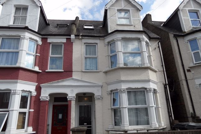 1 bed flat to rent in Holmesdale Road, South Norwood, London