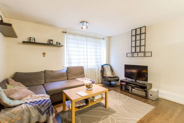 Thumbnail Flat for sale in Parkland Road, Wood Green