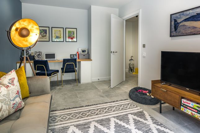 4 bed town house for sale in Forbes Lane, London E20