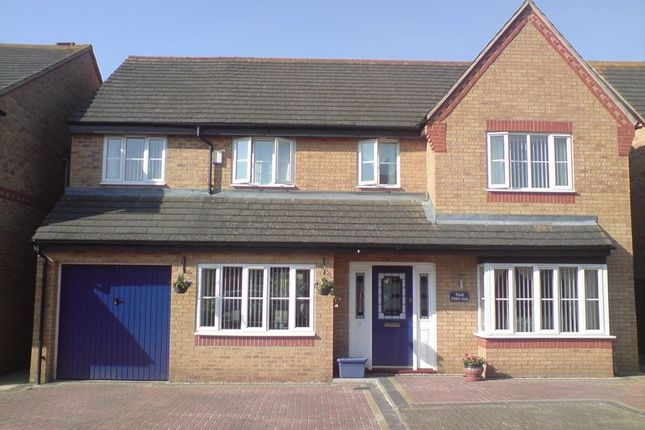 Thumbnail Detached house for sale in Tay Gardens, Bicester