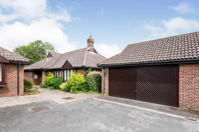 3 bed bungalow for sale in Butlers Way, Ringmer, Nr Lewes, East Sussex BN8