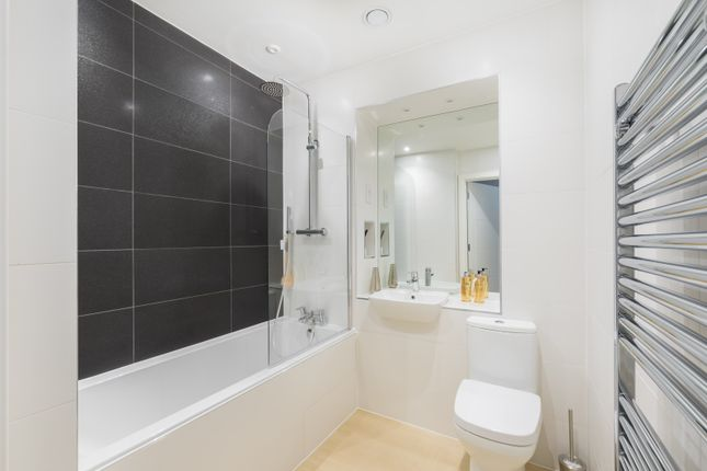 1 bedroom flat for sale in Plot 7, Woodford Road, Watford, Hertfordshire
