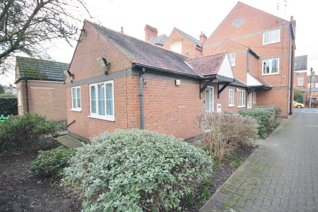1 bed semi-detached bungalow to rent in Westleigh Road, West End, Leicester LE3