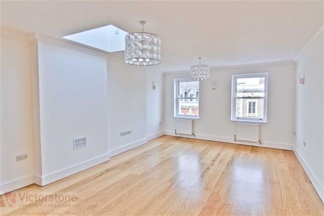 2 bed flat to rent in Parkway, Camden, London