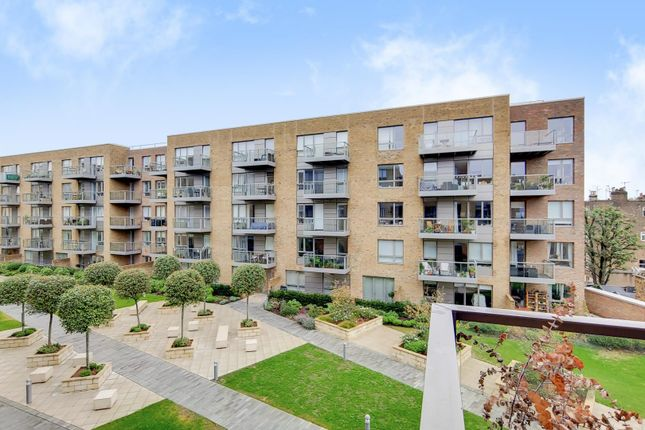 Thumbnail Flat to rent in Purser Court, Smithfield Square, Hornsey