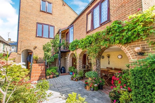 Thumbnail Semi-detached house for sale in Elm Street, Stamford