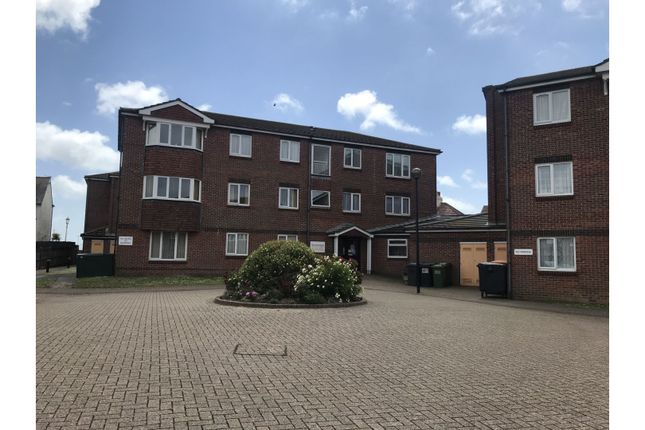 Thumbnail Flat for sale in 21 Wannock Road, Eastbourne