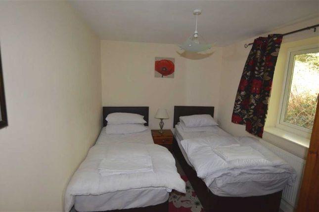 Bedroom 1 of 62, Plas Panteidal, Aberdyfi, Gwynedd LL35
