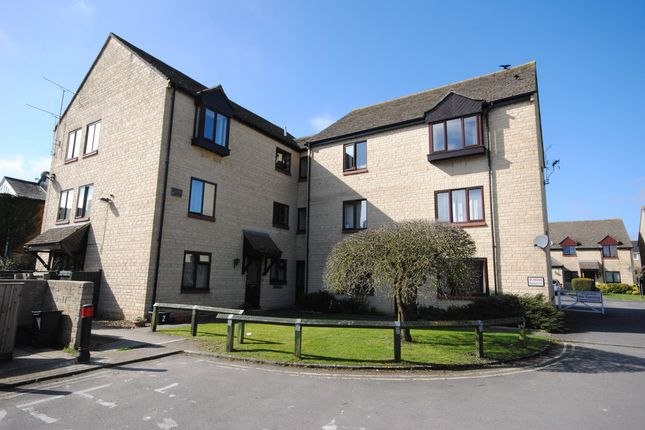 Thumbnail Flat for sale in The Old Coachyard, Witney