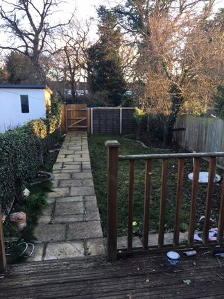 Thumbnail Country house to rent in Pollards Hill South, Croydon
