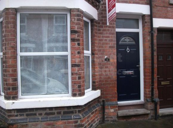 Thumbnail Shared accommodation to rent in Henshall Street, Chester