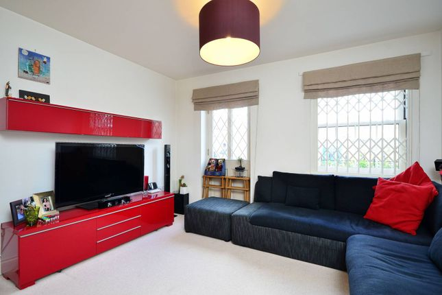 Thumbnail Flat to rent in Dolman Road, Chiswick