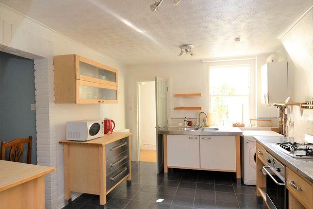 4 - Kitchen 1 Lightened