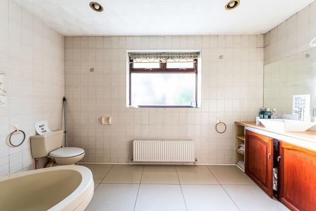 En-Suite of Collier Row, Romford, Havering RM5