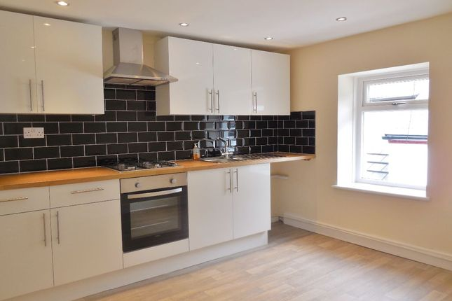 Thumbnail Flat to rent in West Street, Pontypridd, Cardiff
