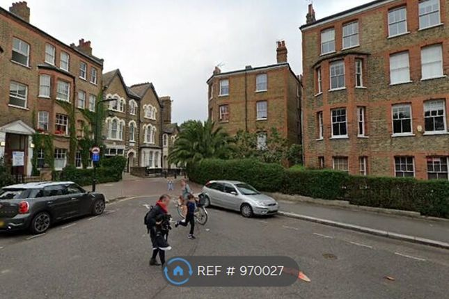 Studio to rent in Hackney, London E5