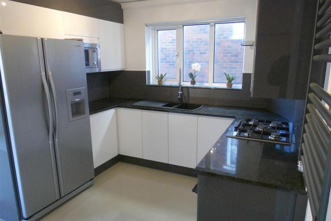 Thumbnail Flat to rent in Brassey Road, Bexhill-On-Sea