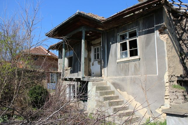 2 bed country house for sale in Reference Kr258, Cheap Bungalow, Needs Total Rebuilt . Price - 1500 Gbp, Bulgaria