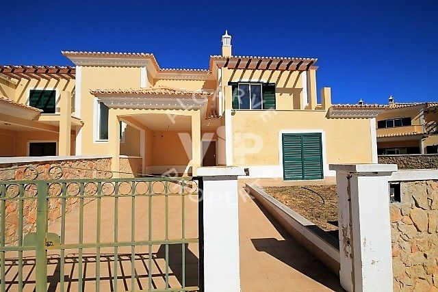 Town house for sale in 8365 Algoz, Portugal