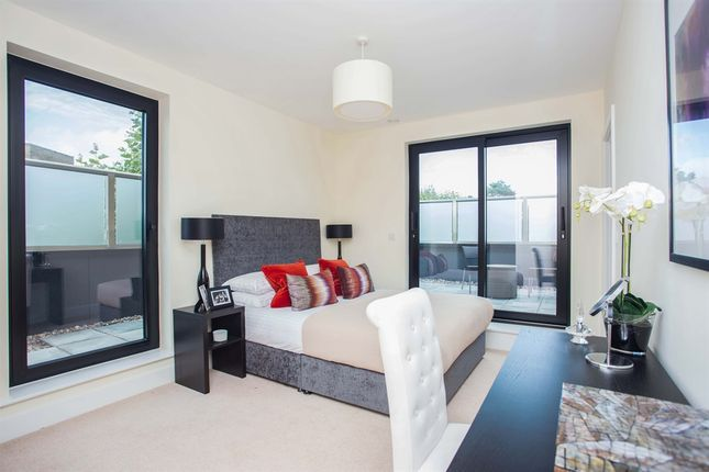 Thumbnail Penthouse for sale in Tunstall Court, Northcote Avenue, London