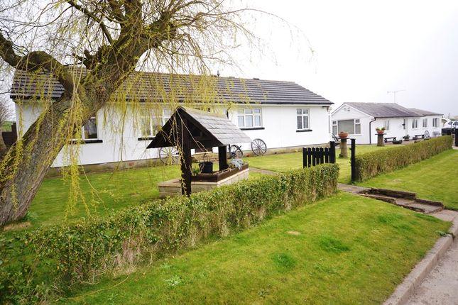 Thumbnail Cottage for sale in Lingholme Lane, Lebberston, Scarborough