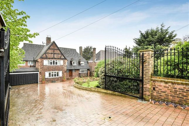 Thumbnail Detached house for sale in Cockfosters Road, Hadley Wood, Herts