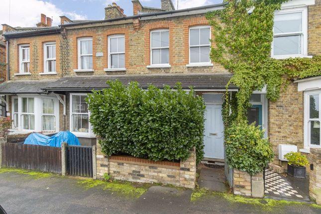 2 bed property to rent in Sunnyside Road, Teddington TW11