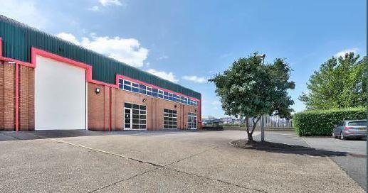 Industrial to let in Unit 4, Swan Business Park, Sandpit Road, Dartford, Kent