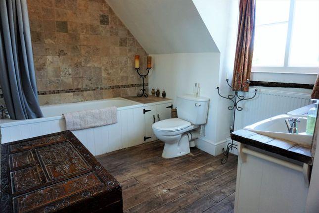 Bathroom of The Row, Elham, Canterbury CT4