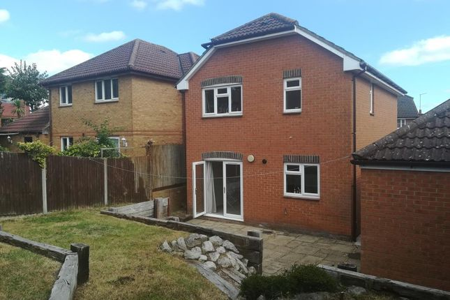Thumbnail Detached house to rent in Twyford, Berkshire