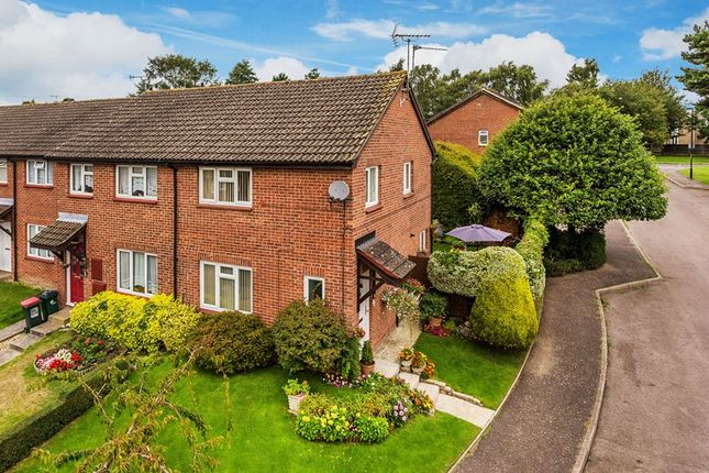 Thumbnail End terrace house for sale in Hillingdale, Crawley
