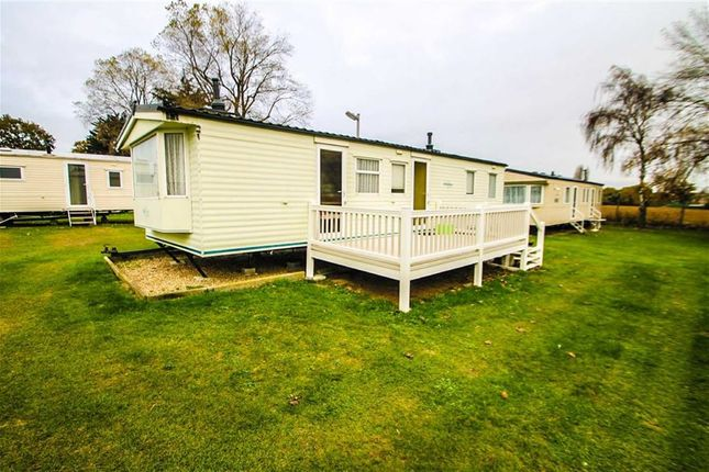 Mobile/park home for sale in Valley Road, Clacton-On-Sea