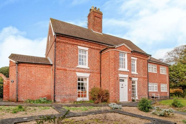 Thumbnail Country house for sale in Orby Road, Addlethorpe, Skegness