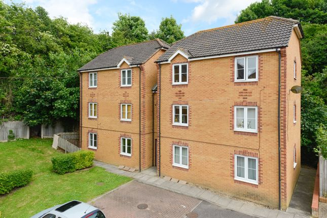 1 bed flat to rent in Chineham Way, Canterbury CT1