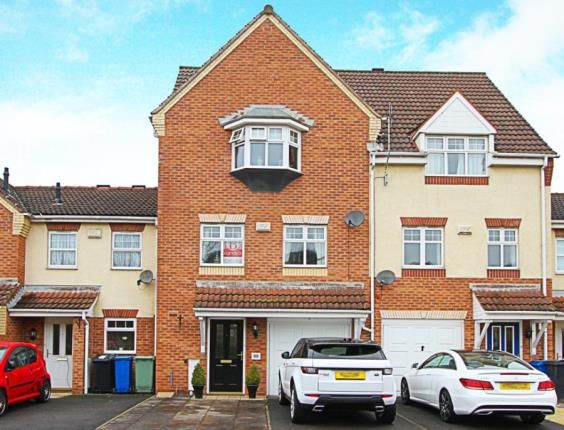 3 bed terraced house for sale in Wain Avenue, Chesterfield, Derbyshire