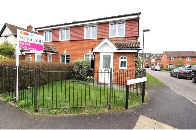 3 bed property to rent in Blackamoor Lane, Maidenhead, Berkshire