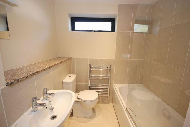 Bathroom of Harford Court, Derriford, Plymouth PL6