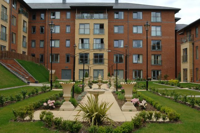 Thumbnail Flat for sale in Dunstan, Northampton