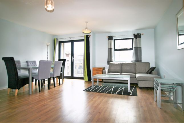 2 bed flat to rent in 10 Quaker Street, Tower Hamlets