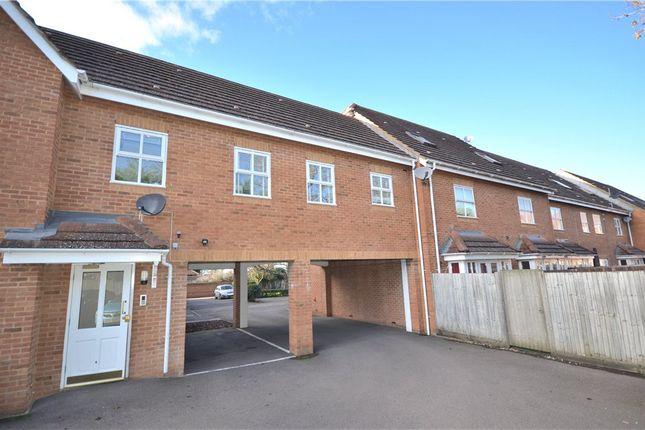 Thumbnail Flat for sale in Bevan Gate, Bracknell, Berkshire
