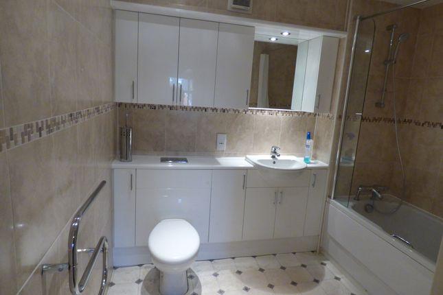 Bathroom of Victoria Mansions, Blackpool FY3